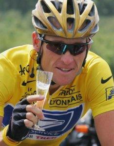 Nawet Lance czasami wypije kieliszek